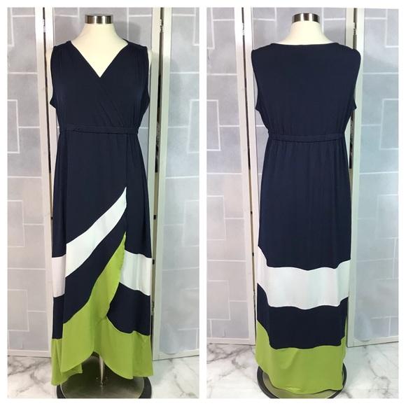 Studio One Dresses & Skirts - 💥 Studio One faux wrap dress navy M